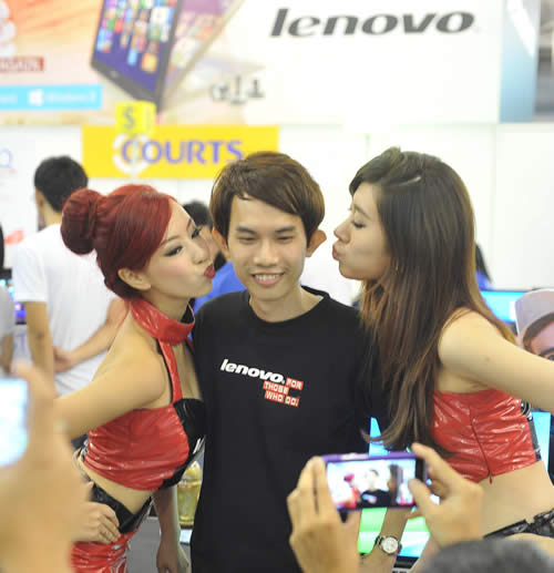 Booth babes at PC Show 2013
